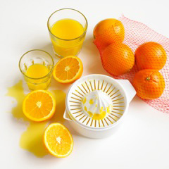 Juicing Oranges at Home