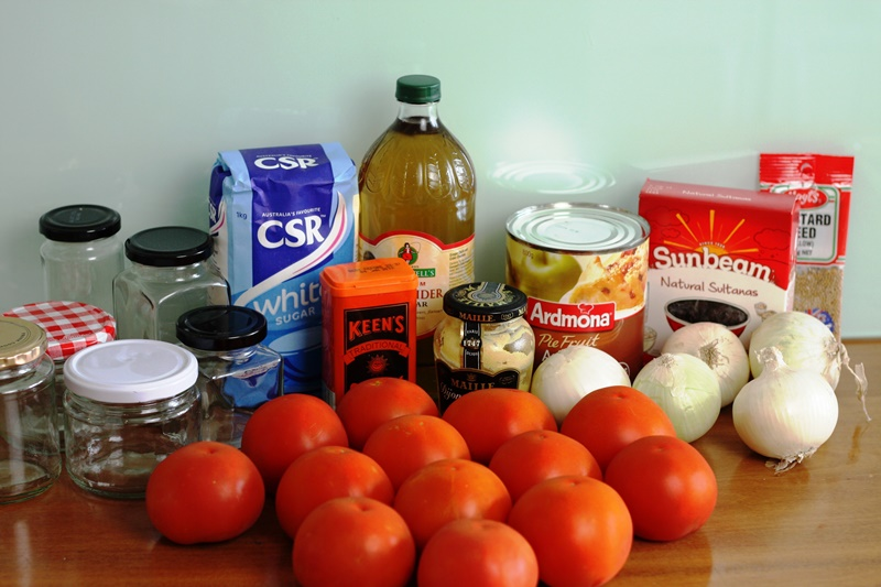 Tomato chutney ingredients 01