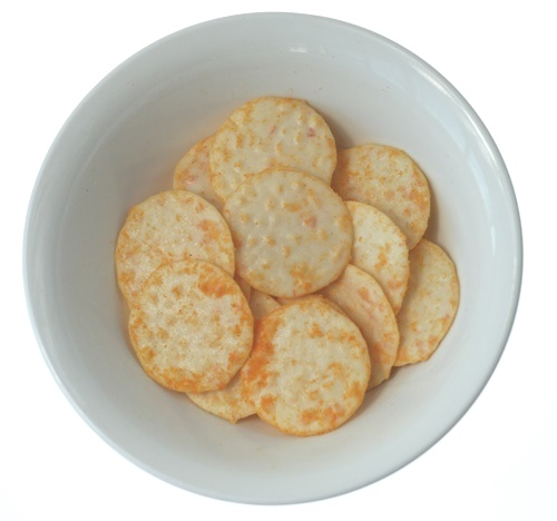 Snacks on white final rice crackers2