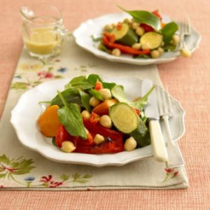 Salad of roasted vegetables and chickpeas