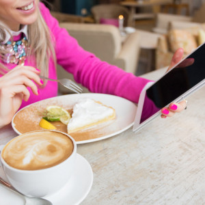 Distracted eating, Breast Cancer Awareness, Walk to Work and more - September 2019 Foodwatch Newsletter