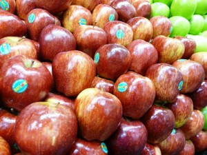 Q. Are waxed apples harmful to eat?