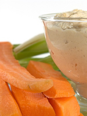 Q. Can you suggest some easy, healthy snacks?